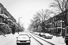 Rue de Verdun sous la neige. Montréal, Québec